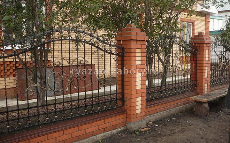 строительство заборов с ковкой в Рязани