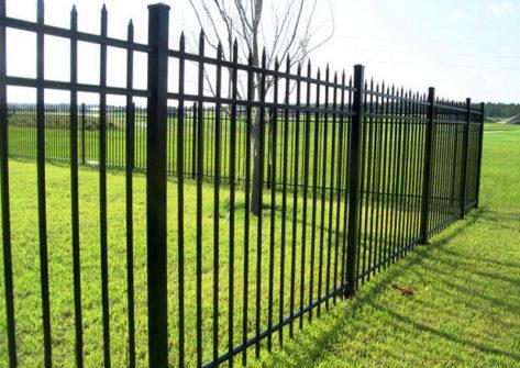 забор из профильной трубы в Рязани
